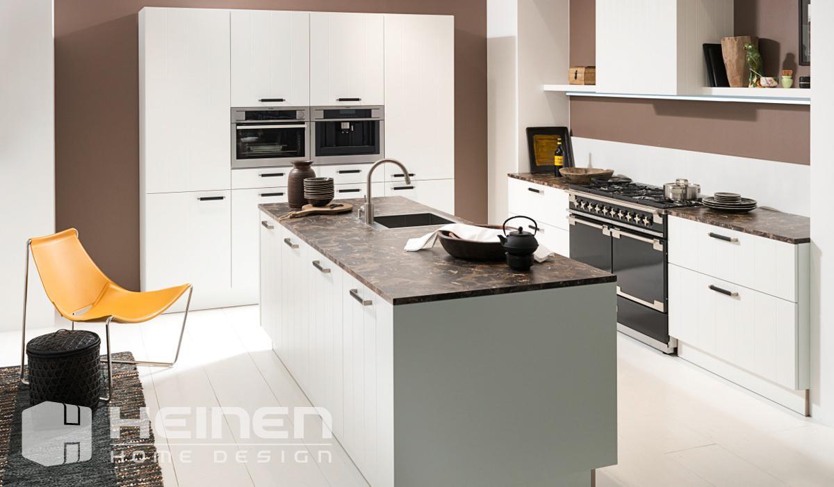 Cuisines classiques heinen home design die schreinerei for Cuisines classiques